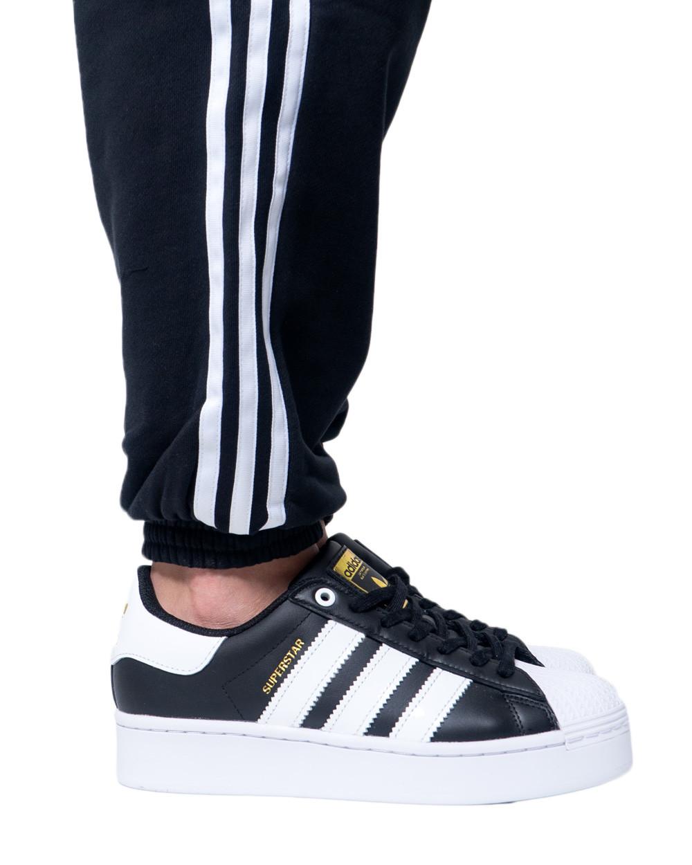 adidasMarchio: Adidas; Genere: Donna; Tipologia: Calzat…