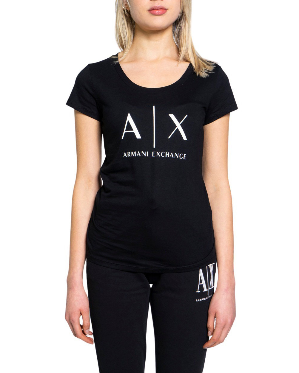 Marchio Armani Exchange Genere Donna Tipologia T-shirt Stagione Primavera/E…